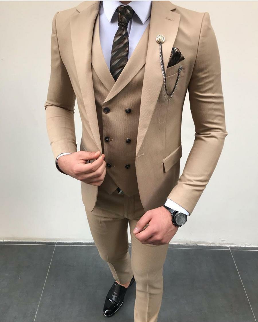Cẩn thận khi chọn màu vest cho chú rể thấp